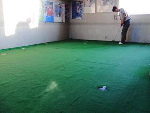 2階の室内パター練習場
